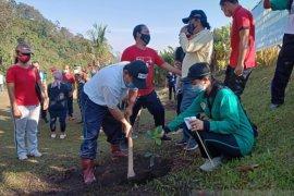 Pemkab-Kodim Buleleng tanam 700 pohon untuk hutan desa