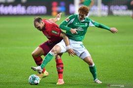 Werder Bremen perpanjang catatan nirkemenangan Cologne