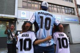 Maradona meninggalkan  rumah sakit