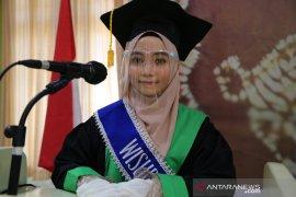 Auladina, mahasiswa Bidik Misi raih predikat wisudawan terbaik UIN Banjarmasin