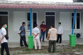 Pemkab Aceh Jaya kembali tambah ruang isolasi mandiri pasien COVID-19 di bekas kantor DPMPKB
