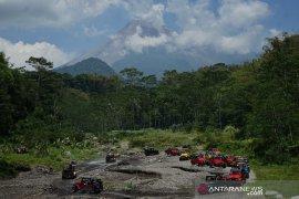 Status Gunung Merapi Siaga, jasa Jeep Lava Tour Merapi tetap beroperasi