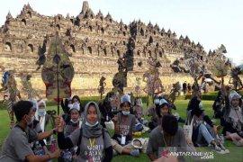 Kirab wayang mewarnai Hari Wayang Internasional di Borobudur
