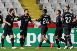 Liga Spanyol - Alasan Covid, Granada minta laga melawan Sociedad ditunda