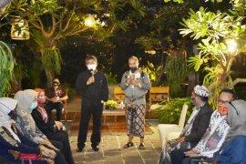 "Jatim gelar ""fashion show"" batik di pinggir pantai Banyuwangi"
