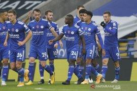 Leicester raih puncak jelang jeda internasional