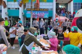 Dinkes Kota Pontianak tes usap COVID-19 pengunjung warung kopi dan stadion