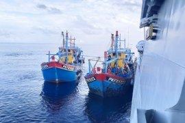 Kapal ikan Malaysia yang ditangkap di Selat Malaka dibawa ke Belawan