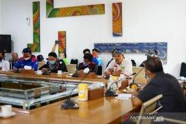 Wali Kota Bandung janji tuntutan buruh dibahas di rapat pengupahan