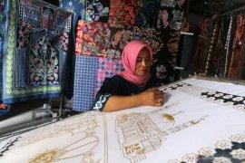 Perajin Sajadah Batik