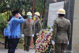 Wali Kota Arief ajak warga jadi pahlawan putus penularan COVID-19