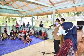 Pjs Gubernur Jambi sambangi Suku Anak Dalam di Merangin
