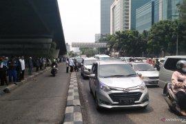 Massa FPI membubarkan diri, lalu lintas lancar
