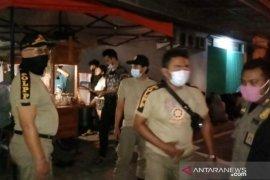 Satpol PP Kota Denpasar bubarkan kerumunan langgar protokol kesehatan