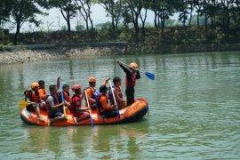 """ACT Madiun gelar pelatihan """"water rescue"""" untuk penanganan bencana banjir"""