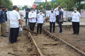 Rel trem era kolonial ditemukan di lokasi pembangunan Malang Heritage