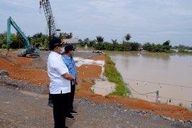 Tanggul irigasi Sei Belutu Sergai rusak diterjang banjir