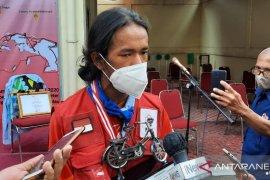 Bersepeda menjelajah nusantara cara Maahir mencintai Indonesia