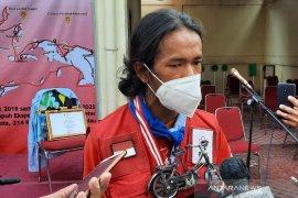Bersepeda menjelajah nusantara, cara Maahir mencintai Indonesia