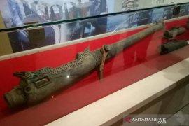 Meriam langka dipamerkan di museum  Balaputera Dewa