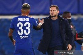 Bek Chelsea Emerson buka pintu kembali ke Serie A tahun depan