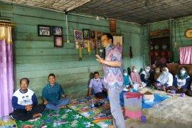Peserta Pilkada Bangka Tengah gelar kampanye sehat di kampung nelayan
