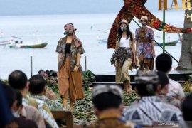 Pagelaran busana batik Jawa Timur