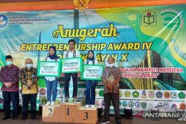 LL DIKTI Wilayah X: Entrepreneurship Award IV kembangkan program kampus merdeka