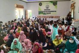Hundred of orphans tour the nature at SMP Alam Muhammadiyah