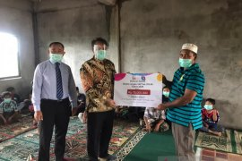 OJK Kalbar bantu fasilitas pendidikan di panti asuhan