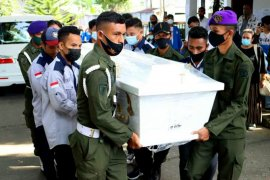 Unpatti Ambon kehilangan Guru Besar Oseanografi Biologi Abraham Semuel Khouw