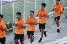 Timnas U-19 latihan perdana di Stadion Madya