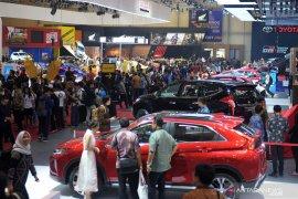 Penjualan mobil di Indonesia Oktober cuma naik 1 persen, Toyota terbanyak terjual