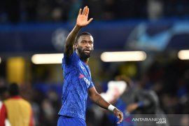 Barcelona mempertimbangkan pinjam bek Chelsea Antonio Rudiger