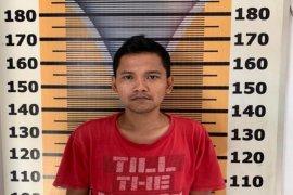 Sabu masih menempel di kaca pirex, Gibus ditangkap polisi