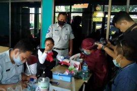 Jasa Raharja Madiun fasilitasi tes cepat sopir dan kru Bus Sudiro Tungga Jaya