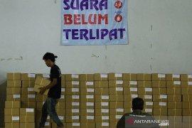 Distribusi surat suara Pilkada Karawang