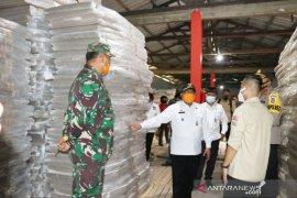 Pastikan logistik aman, Pjs Bupati Serang tinjau gudang KPU