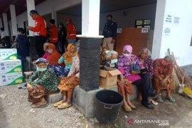 Pengungsian Merapi dihadapkan dia ancaman yakni gunung api dan COVID-19