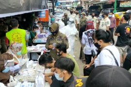 Masyarakat Kota Pontianak mulai terbiasa gunakan masker cegah COVID-19
