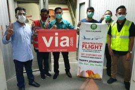 India Club Jakarta dan Via.com kerja sama penerbangan repatriasi
