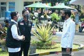 Kemarin, suku bunga BI turun sampai Jokowi ajak para CEO investasi