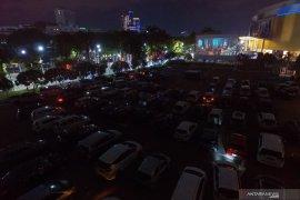 "Bioskop ""drive-in"" di Surabaya"