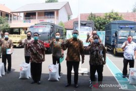 Bansos beras tahap tiga untuk warga Bogor terdampak COVID-19 mulai disalurkan