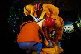 Penambang tewas terkubur longsoran batu, evakuasi dibantu alat berat