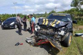 Mobil Patroli Polres Aceh Jaya tabrakan dengan Brio, guru asal Banda Aceh meninggal dunia