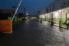 Hujan deras di Sambas sebabkan beberapa lokasi banjir