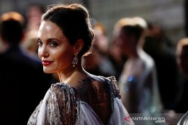 Angelina Jolie menang besar atas perceraiannya dengan Brad Pitt