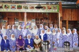 32 orang peserta ikuti rakercab susun agenda kegiatan IWAPI HST