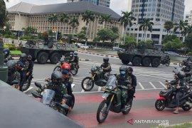 500 petugas gabungan tertibkan baliho tak berizin di Ibu Kota